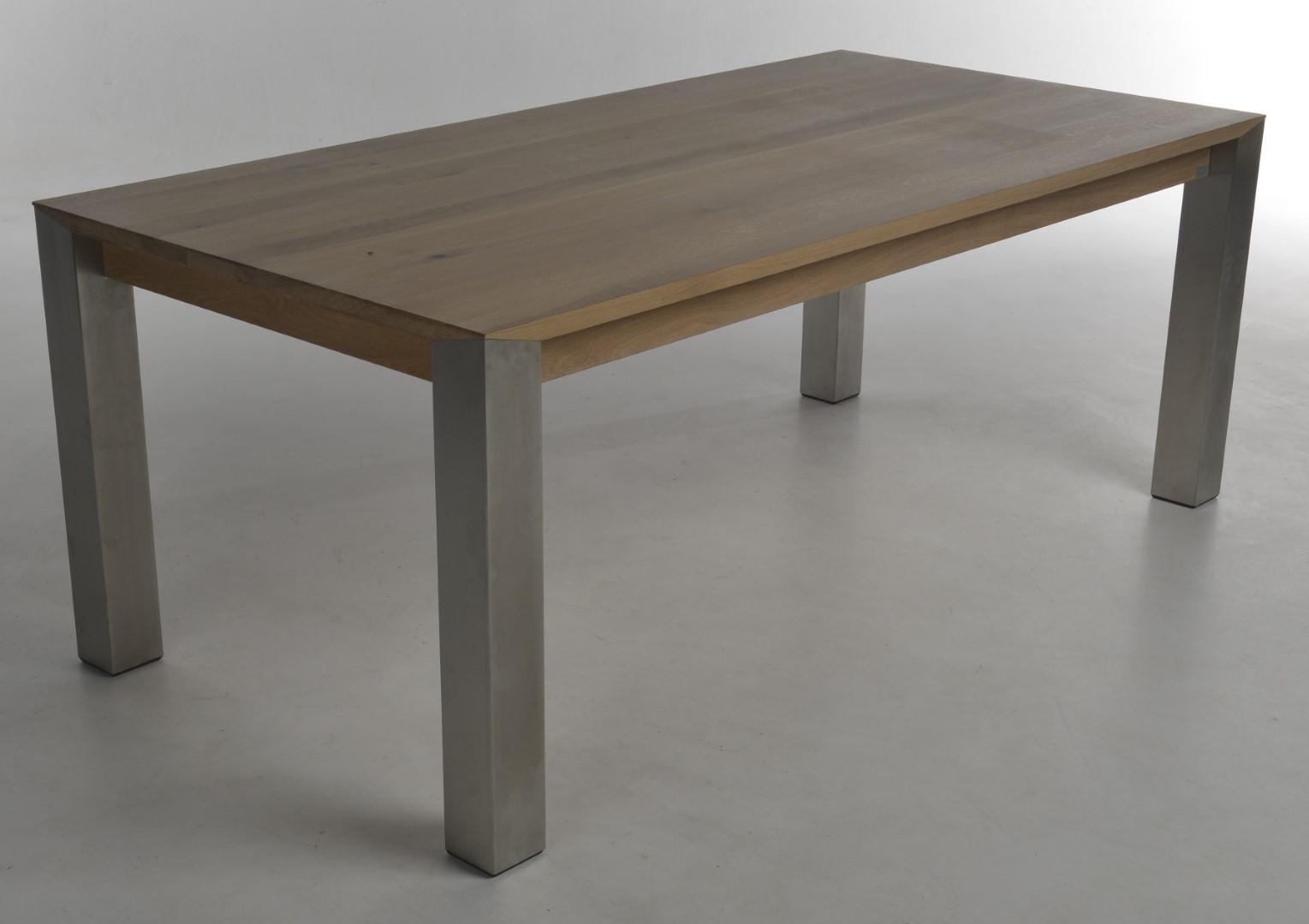 cyano eettafel bert plantagie outlet. Black Bedroom Furniture Sets. Home Design Ideas
