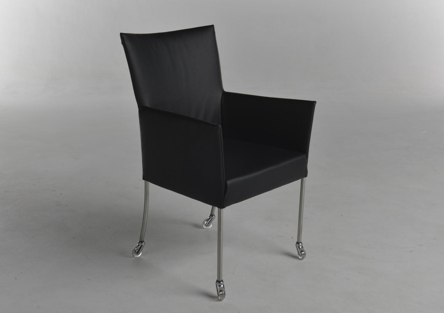 outle08 05 arc 39 bert plantagie outlet. Black Bedroom Furniture Sets. Home Design Ideas
