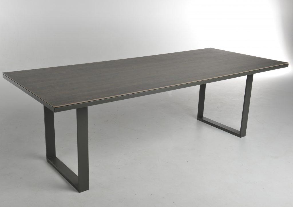 m2022 eettafel bert plantagie outlet. Black Bedroom Furniture Sets. Home Design Ideas